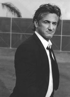 Sean Penn love the bad boy! Sean Penn, Viggo Mortensen, Paul Newman, Beautiful Men, Beautiful People, Like A Sir, Ben Stiller, Hollywood Boulevard, Portraits