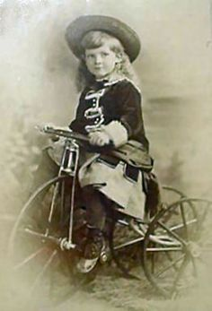 Magic Moonlight Free Images: Old Pictures! free images for You! Vintage Children Photos, Children Images, Vintage Pictures, Vintage Images, Picture Postcards, Vintage Postcards, Life Pictures, Old Pictures, Antique Photos