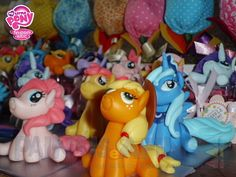 Personagem em biscuit do tema My Little Pony!  Pedido mínimo de 10 unidades.