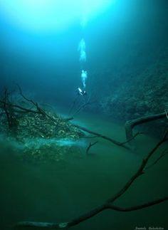 Μεξικό: Ο κρυμμένος ποταμός στα βάθη του ωκεανού- I have no ideas about what it means, but I like the colour!