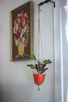 Make it: DIY Twine Macrame Plant Hanger | Chicks Who Give A Hoot