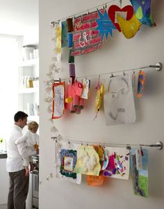 ~1/2 dozen ways to display kid's art work   http://lookiewhatidid.blogspot.ca/