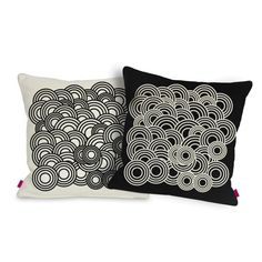 CIRCLES pillow - Deko boko  Decorative pillow in very fashionable black&white style.