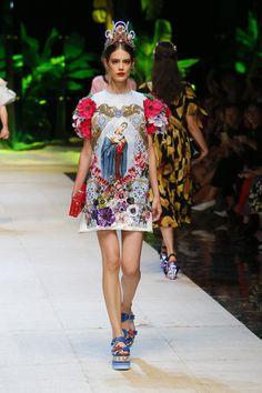 Dolce&Gabbana Summer 2017 Women's Fashion Show. #DGTropicoItaliano