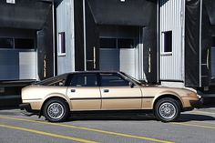 Looking for the Rover SD 1 of your dreams? There are currently 2 Rover SD 1 cars as well as thousands of other iconic classic and collectors cars for sale on Classic Driver. Collector Cars For Sale, Exterior Colors, Sd, Classic Cars, Exterior Paint Colors, Vintage Classic Cars, Classic Trucks