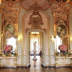 Gorgeous Italian room