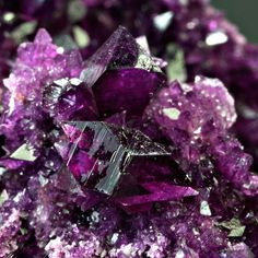 Gender fluid people may also identify as multigender, non-binary and/or transgender. Minerals And Gemstones, Crystals Minerals, Rocks And Minerals, Stones And Crystals, Gem Stones, Beautiful Rocks, Mineral Stone, Chakra Stones, Rocks And Gems