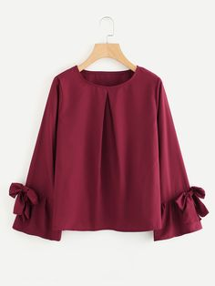 Store Bow Tie Sleeve Pleated Entrance Shirt on-line. SheIn presents Bow Tie Sleeve Pleated Entrance Stylish Dresses, Trendy Outfits, Casual Dresses, Cute Outfits, Hijab Fashion, Girl Fashion, Fashion Dresses, Fashion Design, Blouse Styles
