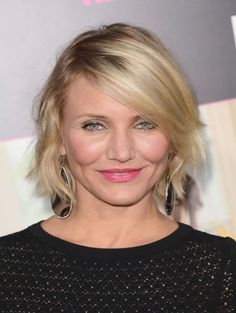 Best Short Layered Hairstyles For 40 Plus Women