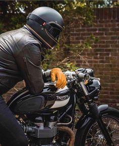 184 Likes, 1 Comments - Ricardo Cabrita Triumph Cafe Racer, Triumph Bobber, Cafe Racer Motorcycle, Motorcycle Style, Bike Style, Moto Style, Triumph Motorcycles, Bobber Style, Triumph Bonneville