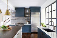 Les étagères ouvertes: On aime ou pas? | Les idées de ma maison Photo: ©birminghamhomeandgarden.com #deco #cuisine #etagere #aireouverte #visuel #esthetique #tendance