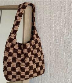Diy Crochet Projects, Crochet Crafts, Yarn Crafts, Cute Crochet, Easy Crochet, Knit Crochet, Crochet Designs, Crochet Patterns, Cute Bags