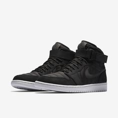 Nike Jordan Shoes – Comes with best feature Ankle Sneakers, Slip On Sneakers, Leather Sneakers, Running Sneakers, Running Shoes, Original Air Jordans, Nike Original, Jordan 1, Jordan Shoes