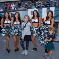 The Eagles Cheerleaders had such a great time cheering on the team during week three against the Steelers. Check out all the photos from Sunday's game.