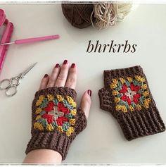 Good morning # say # auspicious # did # sort # sort # # gloves # ready to see Crochet Mittens, Crochet Gloves, Crochet Stitches, Knitting Yarn, Baby Knitting, Knitting Patterns, Love Crochet, Knit Crochet, Wrist Warmers