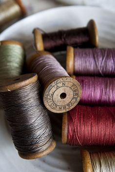 Embroidery applique, cute embroidery, embroidered shirts, embroidering machine, embroidery clothes and more. Yarn Thread, Thread Spools, Needle And Thread, Needle Book, Sewing Box, Sewing Tools, Sewing Crafts, Vintage Sewing Notions, Vintage Sewing Machines
