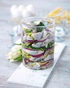 Onion and dill herring / Lök och dillsill Swedish Traditions, Easter Recipes, Easter Food, Swedish Recipes, Fika, Dessert For Dinner, Food Styling, Brunch, Food And Drink