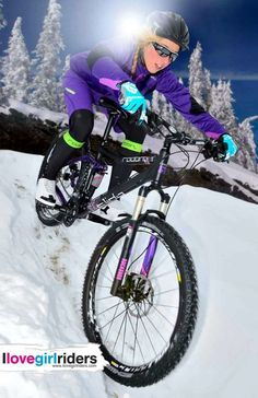 Sandy » Rider: Sandy Fleischer - Photo: Stefan Eisend - Location: Winterberg (Ger) - #ilovegirlriders #iamagirlrider #ilgr #girlriders #mtb #bmx #dhgirl #downhill #ciclocross #freeride #road #cycling #cyclingwomen #womenscycling