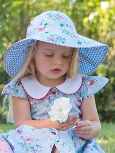 Hats - Sophia Blue Painted Floral Reversible Hat Baby Girl Fashion, Kids Fashion, Boho Flower Girl, Girl With Hat, Sun Hats, Tween, Little Girls, Girl Outfits, Girly
