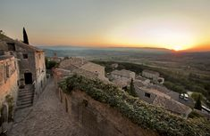 Savannah College of Art and Design (SCAD), Lacoste, France - overlooking the Luberon Valley in the south of France
