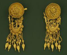 Joalheria de Madytos - brincos com musa tocando lira, 300 - 330 AC