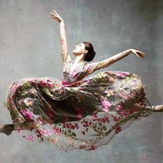 Tiler Peck...New York City Ballet's principle dancer in Naeem Khan. SS2016. Thank u @nycdanceproject. @nycballet