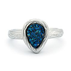 This Wood Grain Design Periwinkle Drusy Sterling Silver Ring gives the look of beauty and nature combined.