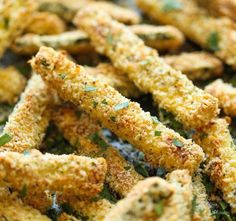 Healthy Snacks Baked Zucchini Fries - These fries are amazingly crisp-tender and healthy with just calories. And no one would ever believe that these are baked!