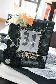 Countdown to Halloween calendar tutorial – this is so clever! Or Advent Calendar! Holiday Countdown, Halloween Countdown, Countdown Calendar, Holidays Halloween, Spooky Halloween, Halloween Crafts, Holiday Crafts, Holiday Fun, Happy Halloween