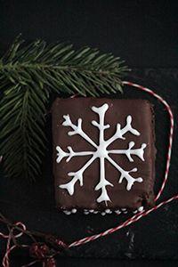 Advent Calendar. Day 16. Fluffy dark chocolate Piernik   Miss Becky's Cottage