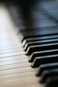 How to teach piano to adults