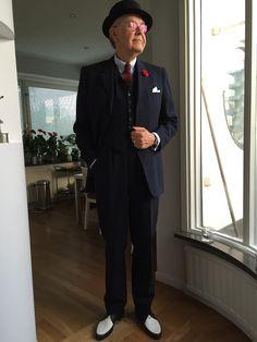 Direktör Fagerlinds MEA-kostym från 1964. Notera de tidstypiska dojorna från Master och en Pork Pie på skallen.