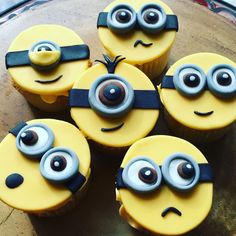 How To Make A D Minion Cake Step By Step