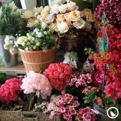 Ven a conocer las nuevas flores artificiales que tenemos para tu casa, son edición limitada, ¡Ven por las tuyas!
