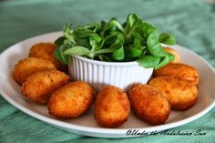 Under the Andalusian Sun food, wine and travel blog: Croquetas de jamón - simply the best!