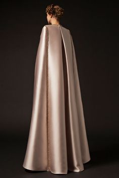 Atelier Krikor Jabotian takes pride in its refined craftsmanship and use of opulent fabrics to create a timeless message of heritage, style, tradition and innovation. Hijab Fashion, Fashion Dresses, Event Dresses, Wedding Dresses, Krikor Jabotian, Iranian Women Fashion, Unconventional Wedding Dress, Abaya Designs, Unique Fashion