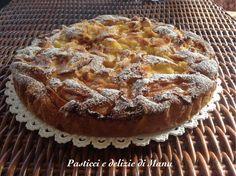 """Le nostre nonne sono un pilastro della cucina italiana.Le loro cucine sono sempre così ricche di profumi che solo a pensarci ci viene già l'acquolina in bocca. Oggi ho preparato una buonissima e genuina torta di mele """"rubando"""" la ricetta alla mia nonnina"""