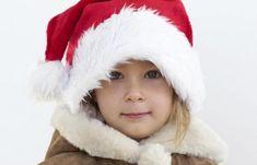 Pochi e semplici passaggi per creare un cappello di Babbo Natale di stoffa