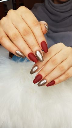 Red And Gold Nails, Red Gold, Pedicure, Make Up, Christmas, Finger Nails, Wedding, Xmas, Pedicures