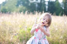 child singing, portrait of child singing, candid photos, lifestyle portraits, meagan baker photography