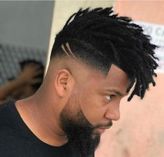 The Low Fade w/ Short Dreadlock Fringe Fade haircuts for men are all the rave this year! If you want to look stylish, a fade hairstyle will be sure to please. You'll be the envy of your peers! Best Fade Haircuts, Haircuts For Men, Hairstyles Haircuts, Black Men Hairstyles, African Hairstyles, Natural Hair Men, Curly Hair Men, Mens Dreadlock Styles, Dreadlock Fade