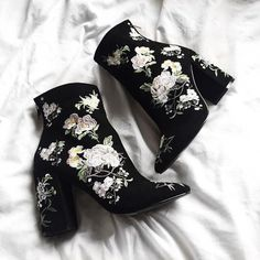 98c2cf20a3dab4 Gorgeous Floral Embroidery Black Suede Ankle Boots Black Velvet Boots