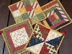 Christmas Pot Holders | Get scrappy this Christmas with these festive holiday pot holders!