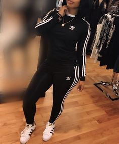 That bob tho! 👌 🏾 chill outfits, sporty outfits, dope outfits, adidas out Chill Outfits, Sporty Outfits, Dope Outfits, Swag Outfits, Fashion Killa, Look Fashion, Teen Fashion, Autumn Fashion, Fashion Outfits