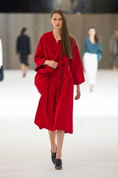 "<p tabindex=""-1"" class=""tmt-composer-block-format-target tmt-composer-current-target"">Christophe Lemaire spring 2015 collection show."