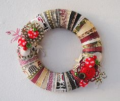 Christmas wreath using paper strips | by Anski