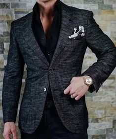 How do you guys like this jacket? For a casual wear-with-jeans blazer I think it's pretty great
