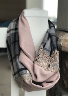 Pink and gray plaid flannel infinity scarf Scarf Knots, Diy Scarf, Sewing Scarves, Plaid Flannel, Plaid Scarf, Shirt Refashion, Womens Scarves, Fashion Outfits, Scarf Summer