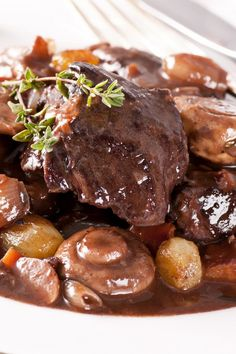 Sirloin #Beef Burgundy Stew: Boeuf Bourguignon with Bacon & Mushrooms. Fast dinner #recipe done in 35 minutes!