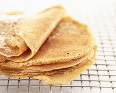 Whey Protein Crepes INGREDIENTS: – cup egg whites (I use Egg Whites Intl. liquid egg whites) – 1 scoop Vanilla Protein Powder or flavor of your choice (EAS brand from Costco is. Whey Protein Recipes, Protein Crepes Recipe, Protein Powder Recipes, Protein Smoothies, Protein Muffins, Protein Cookies, Healthy Protein, Protein Foods, Low Carb Recipes